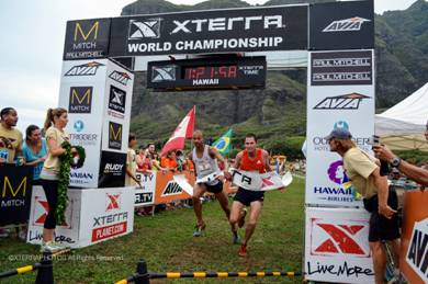 Ben Bruce and Joe Gray tie at the 2012 XTERRA Trail Run World Championship. Photo courtesy of LetsRun.com